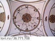 Lamp and dome inside mosqueEski Jami in Bursa, Turkey. Стоковое фото, фотограф Zoonar.com/Valeriy Shanin / age Fotostock / Фотобанк Лори