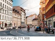 Berlin, Germany - July 27, 2019: Street view in Scheunenviertel, ... Стоковое фото, фотограф Zoonar.com/@jjfarquitectos / age Fotostock / Фотобанк Лори