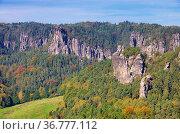 Grosse Gans - mountain Grosse Gans 01. Стоковое фото, фотограф Zoonar.com/LIANEM / easy Fotostock / Фотобанк Лори