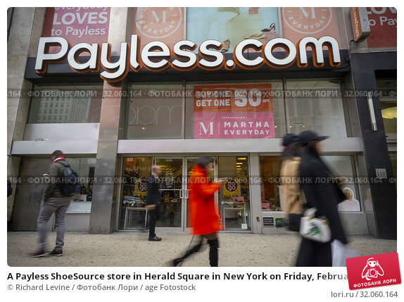 A Payless ShoeSource store in Herald Square in New York on Friday, February 15, 2019. The retailer is reported to be planning to close all 2300 stores... Редакционное фото, фотограф Richard Levine / age Fotostock / Фотобанк Лори