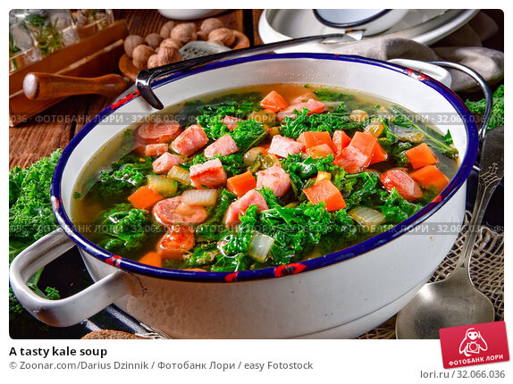 A tasty kale soup. Стоковое фото, фотограф Zoonar.com/Darius Dzinnik / easy Fotostock / Фотобанк Лори