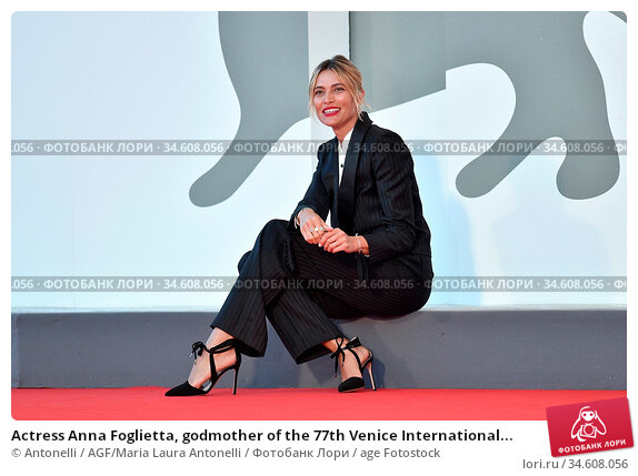 Actress Anna Foglietta, godmother of the 77th Venice International... Редакционное фото, фотограф Antonelli / AGF/Maria Laura Antonelli / age Fotostock / Фотобанк Лори