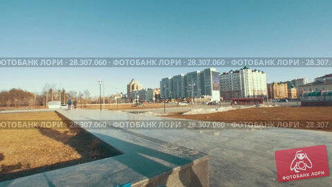 Купить «Adult skateboarder doing tricks outdoors in sunny day», видеоролик № 28307060, снято 13 декабря 2018 г. (c) Константин Шишкин / Фотобанк Лори