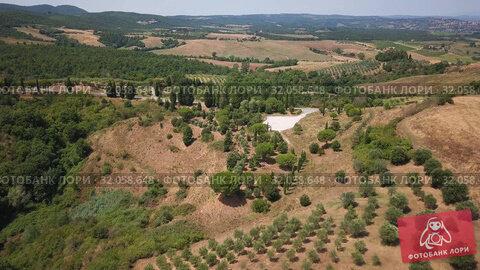 Aerial summer rural landscape of Tuscany. Редакционное видео, видеограф Антон Гвоздиков / Фотобанк Лори