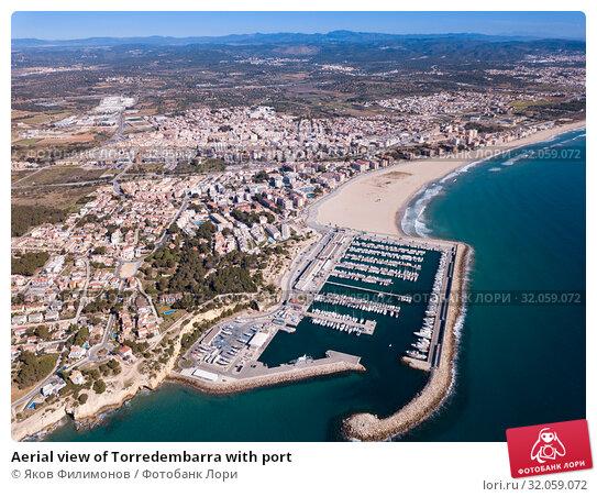 Купить «Aerial view of Torredembarra with port», фото № 32059072, снято 18 марта 2019 г. (c) Яков Филимонов / Фотобанк Лори