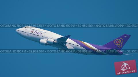 Airplane Boeing 747 climb (2019 год). Редакционное видео, видеограф Игорь Жоров / Фотобанк Лори