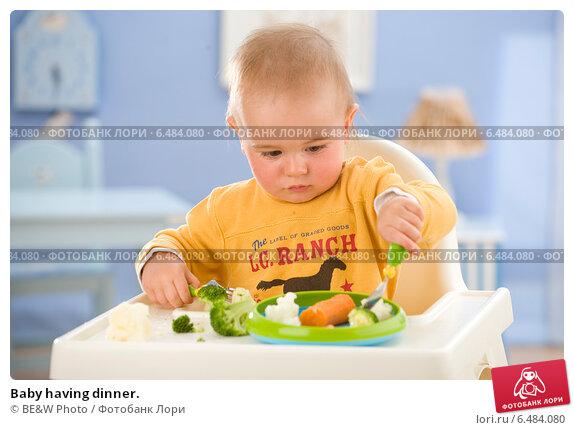 Купить «Baby having dinner.», фото № 6484080, снято 20 ноября 2017 г. (c) Joanna Malesa / Фотобанк Лори