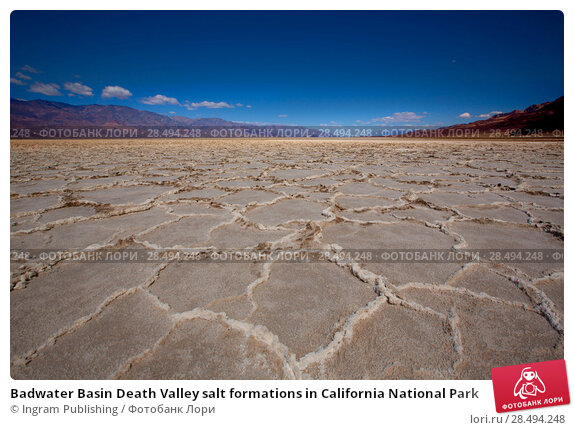 Badwater Basin Death Valley salt formations in California National Park. Стоковое фото, агентство Ingram Publishing / Фотобанк Лори