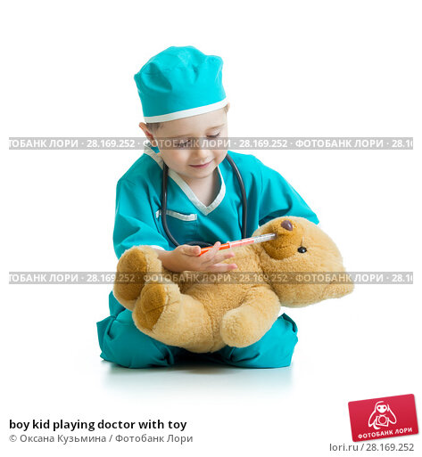 Купить «boy kid playing doctor with toy», фото № 28169252, снято 15 ноября 2018 г. (c) Оксана Кузьмина / Фотобанк Лори