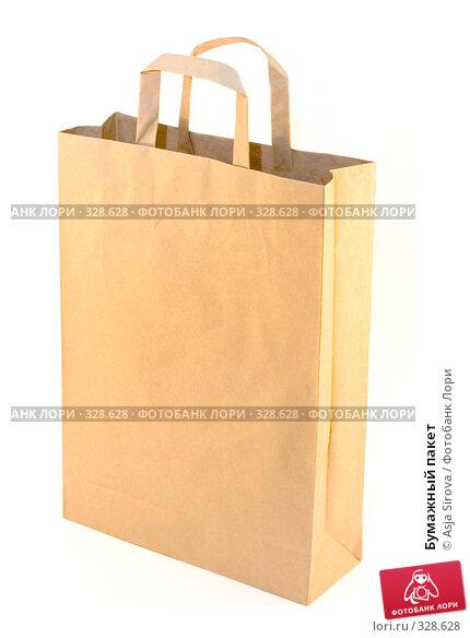 Бумажный пакет, фото № 328628, снято 18 мая 2008 г. (c) Asja Sirova / Фотобанк Лори