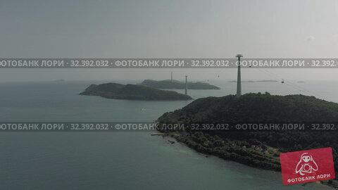 Купить «Cable car Fanicular to Pinepple Island in Vietnam 4K Drone shot», видеоролик № 32392032, снято 4 ноября 2019 г. (c) Aleksejs Bergmanis / Фотобанк Лори