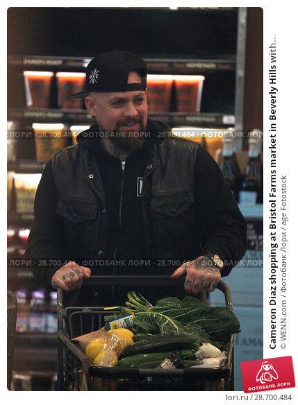 Купить «Cameron Diaz shopping at Bristol Farms market in Beverly Hills with her husband Benji Madden Featuring: Benji Madden Where: Los Angeles, California, United States When: 27 Dec 2016 Credit: WENN.com», фото № 28700484, снято 27 декабря 2016 г. (c) age Fotostock / Фотобанк Лори