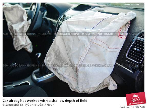 Купить «Car airbag has worked with a shallow depth of field», фото № 31504520, снято 11 июля 2019 г. (c) Дмитрий Бачтуб / Фотобанк Лори