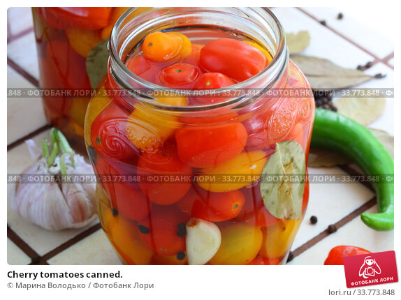 Купить «Cherry tomatoes canned.», фото № 33773848, снято 17 мая 2020 г. (c) Марина Володько / Фотобанк Лори