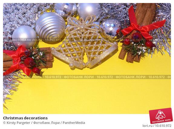 Christmas decorations. Стоковая иллюстрация, иллюстратор Kirsty Pargeter / PantherMedia / Фотобанк Лори