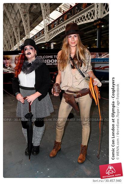 Comic Con London at Olympia - Cosplayers (2017 год). Редакционное фото, фотограф WENN.com / age Fotostock / Фотобанк Лори