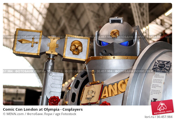 Comic Con London at Olympia - Cosplayers (2017 год). Редакционное фото, фотограф WENN.com / age Fotostock / Фотобанк Лори