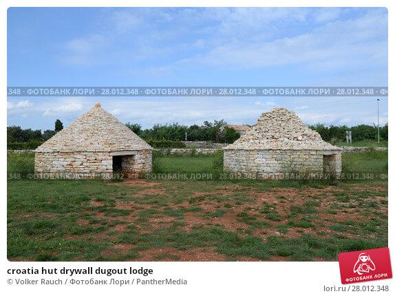 Купить «croatia hut drywall dugout lodge», фото № 28012348, снято 22 апреля 2019 г. (c) PantherMedia / Фотобанк Лори