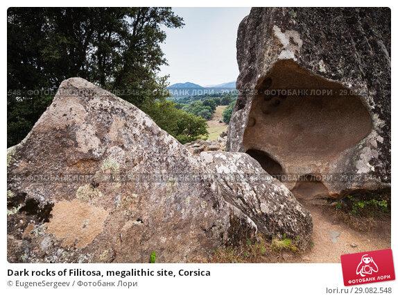 Купить «Dark rocks of Filitosa, megalithic site, Corsica», фото № 29082548, снято 20 августа 2018 г. (c) EugeneSergeev / Фотобанк Лори