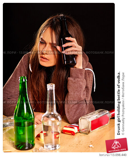 issue of alcoholism Social issues regarding alcohol consumption are numerous, as this activity has become commonplace in many situations such as family gatherings and parties.