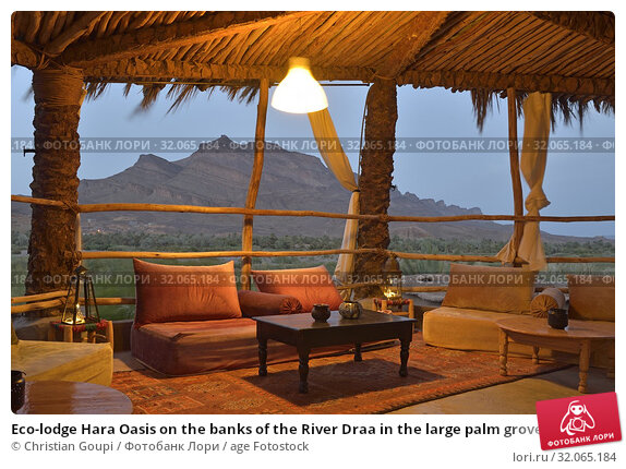 Eco-lodge Hara Oasis on the banks of the River Draa in the large palm grove in Agdz at the foot of Djebel Kissane, Mount Kissane (Jbel Kissane), Draa-Tafilet region, Morocco, North West Africa. (2019 год). Редакционное фото, фотограф Christian Goupi / age Fotostock / Фотобанк Лори