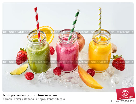 Купить «Fruit pieces and smoothies in a row», фото № 27656372, снято 12 августа 2018 г. (c) PantherMedia / Фотобанк Лори