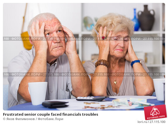 Купить «Frustrated senior couple faced financials troubles», фото № 27115100, снято 28 августа 2017 г. (c) Яков Филимонов / Фотобанк Лори