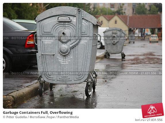Купить «Garbage Containers Full, Overflowing», фото № 27831556, снято 19 марта 2019 г. (c) PantherMedia / Фотобанк Лори