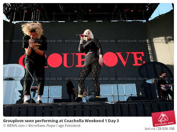 Купить «Grouplove seen performing at Coachella Weekend 1 Day 3 Featuring: Christian Zucconi, Hannah Cooper Where: Indio, California, United States When: 17 Apr 2017 Credit: WENN.com», фото № 28928108, снято 17 апреля 2017 г. (c) age Fotostock / Фотобанк Лори