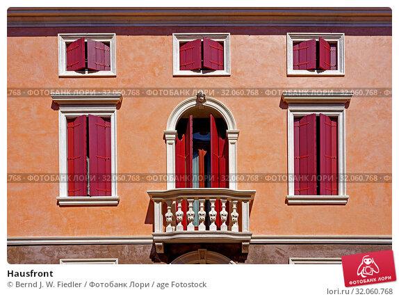 Hausfront. Стоковое фото, фотограф Bernd J. W. Fiedler / age Fotostock / Фотобанк Лори