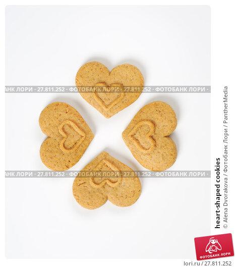 Купить «heart-shaped cookies», фото № 27811252, снято 20 октября 2018 г. (c) PantherMedia / Фотобанк Лори