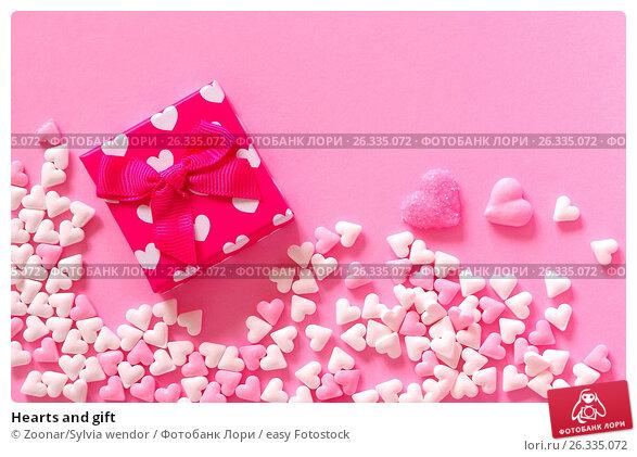 Купить «Hearts and gift», фото № 26335072, снято 24 марта 2018 г. (c) easy Fotostock / Фотобанк Лори