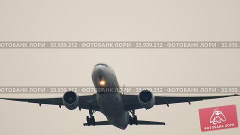 Купить «LAN Cargo Boeing 777 airfreighter departure», видеоролик № 33939212, снято 25 июля 2017 г. (c) Игорь Жоров / Фотобанк Лори
