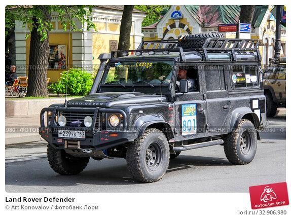 Land Rover Defender (2013 год). Редакционное фото, фотограф Art Konovalov / Фотобанк Лори