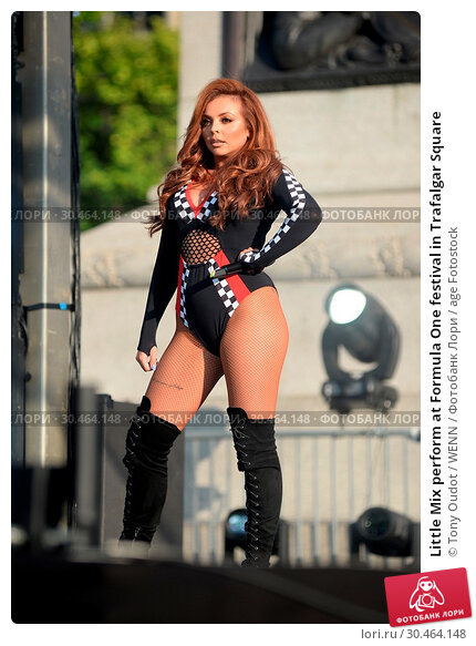 Little Mix perform at Formula One festival in Trafalgar Square (2017 год). Редакционное фото, фотограф Tony Oudot / WENN / age Fotostock / Фотобанк Лори
