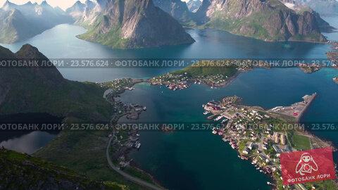 Купить «Лофотенские острова. Норвегия», видеоролик № 23576624, снято 18 сентября 2016 г. (c) Андрей Армягов / Фотобанк Лори