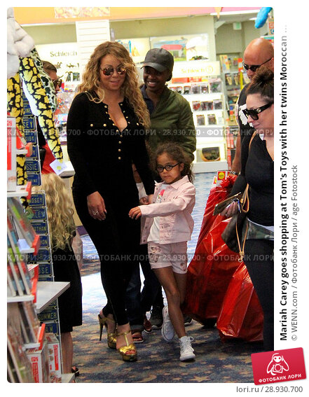 Купить «Mariah Carey goes shopping at Tom's Toys with her twins Moroccan and Monroe Featuring: Mariah Carey, Monroe Cannon Where: Beverly Hills, California, United States When: 18 Apr 2017 Credit: WENN.com», фото № 28930700, снято 18 апреля 2017 г. (c) age Fotostock / Фотобанк Лори