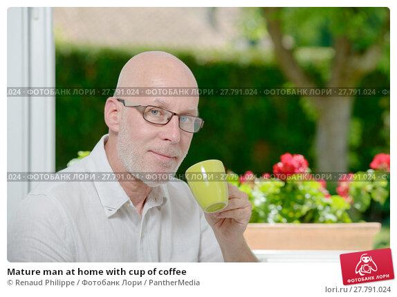 Купить «Mature man at home with cup of coffee», фото № 27791024, снято 18 февраля 2018 г. (c) PantherMedia / Фотобанк Лори