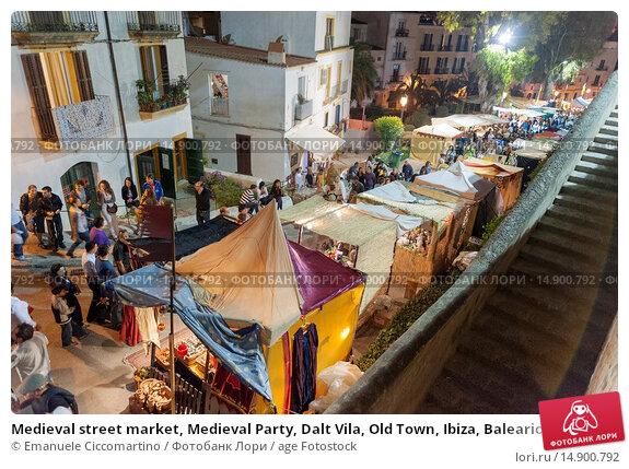 Купить «Medieval street market, Medieval Party, Dalt Vila, Old Town, Ibiza, Balearic Islands, Spain, Mediterranean, Europe.», фото № 14900792, снято 20 июня 2018 г. (c) age Fotostock / Фотобанк Лори