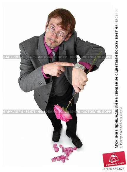 Мужчина пришедший на свидание с цветами показывает на часы опоздавшей девушке, фото № 89676, снято 21 июня 2007 г. (c) Harry / Фотобанк Лори