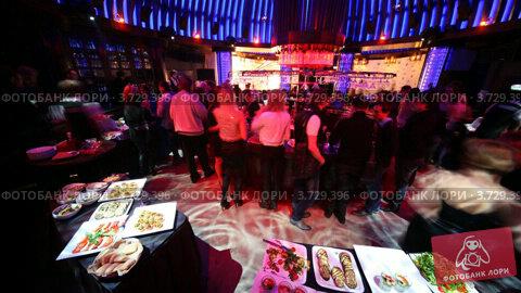 Купить «Ночной клуб(Таймлапс)», видеоролик № 3729396, снято 13 марта 2011 г. (c) Losevsky Pavel / Фотобанк Лори