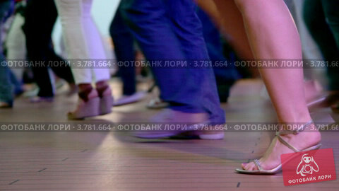 Купить «Ноги людей, которые танцуют латиноамериканские танцы», видеоролик № 3781664, снято 5 июня 2012 г. (c) Losevsky Pavel / Фотобанк Лори
