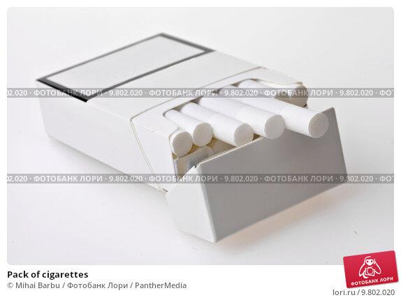 Купить «Pack of cigarettes», фото № 9802020, снято 21 июля 2019 г. (c) PantherMedia / Фотобанк Лори