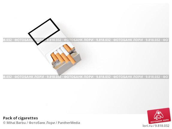 Купить «Pack of cigarettes», фото № 9818032, снято 19 июля 2019 г. (c) PantherMedia / Фотобанк Лори