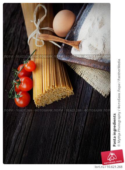 Pasta ingredients. Стоковое фото, фотограф Mythja Photography / PantherMedia / Фотобанк Лори