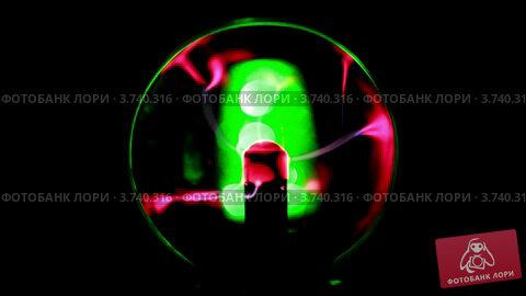 Купить «Плазма шар», видеоролик № 3740316, снято 15 августа 2011 г. (c) Losevsky Pavel / Фотобанк Лори