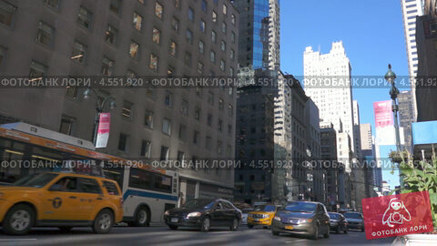 Пробка на Пятой Авеню в Нью-Йорке (2012 год). Редакционное видео, видеограф Igor Vorobyov / Фотобанк Лори
