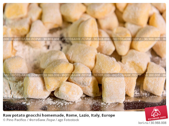 Купить «Raw potato gnocchi homemade, Rome, Lazio, Italy, Europe», фото № 30988008, снято 20 июля 2019 г. (c) age Fotostock / Фотобанк Лори