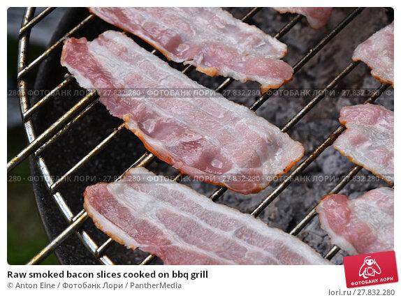 Купить «Raw smoked bacon slices cooked on bbq grill», фото № 27832280, снято 18 октября 2018 г. (c) PantherMedia / Фотобанк Лори