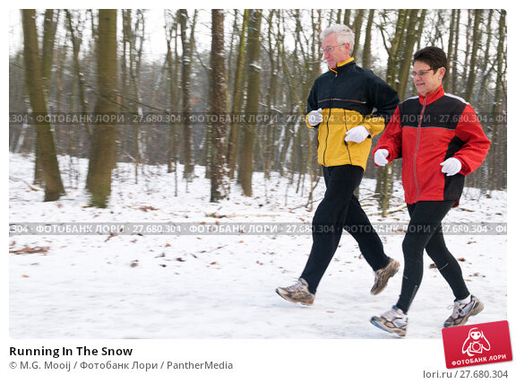 Купить «Running In The Snow», фото № 27680304, снято 21 апреля 2019 г. (c) PantherMedia / Фотобанк Лори